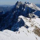 Pogled z Velikega vrha proti Košutnikovemu turnu.