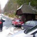 Preko Jezerskega in Železne Kaple se zapeljemo na Kurnikovo sedlo (885m).