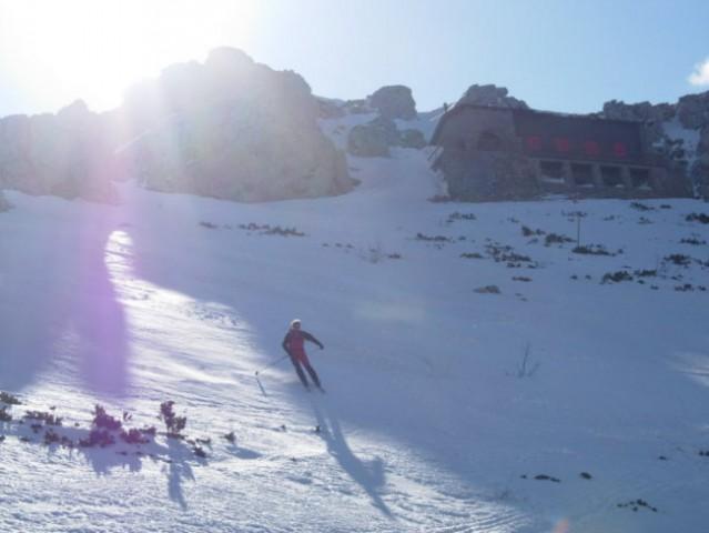 ...pod planinski dom in nato v dolino na Platak.  Kratka tura s prekrasnimi pogledi proti