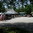 Plitviška jezera so bila kjub vročini dobro obiskana.