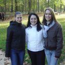 ...na lep nedeljski popoldan smo obiskali Dijonski ZOO...(na sliki Ildiko, Biljana in Katj