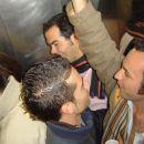 ...po pol ure je v liftu ze postajalo vroce in zatohlo, no kmalu se je vse srecno koncalo