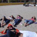 ...so se drugi soncili na plazi...