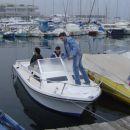 ...barcica po morju pava...