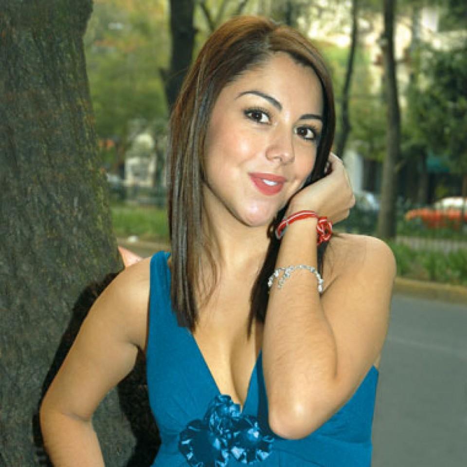 Ilean Almaguer Nude Photos 18