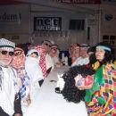 Pustna sobota 2005 Člani Al kaide zbrani za večerni obred.