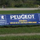 ...Peugeot je omogočili voznikom peljati tudi več konj hkrati...