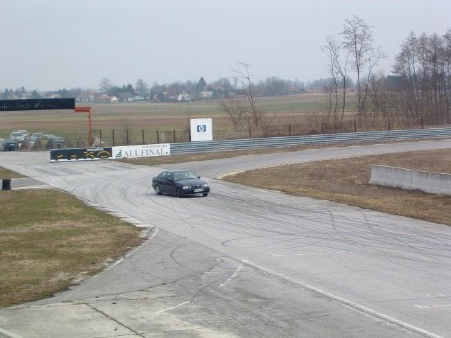 Mobikrog 26.03.2006 - foto povečava