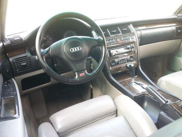 Audi s8 - foto
