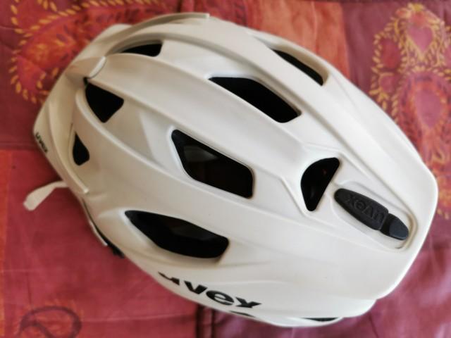 Kolesarska čelada Uvex 70 eur  - foto