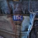 Fantovske kavbojke 152 3 eur- kos