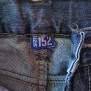 Fantovske kavbojke 152 3 eur