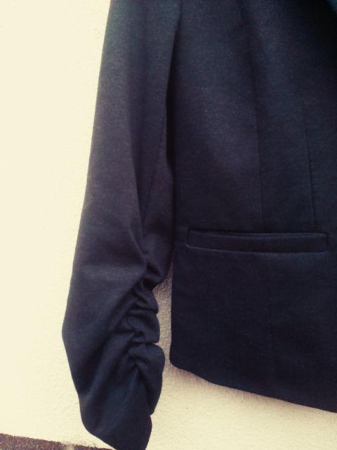 Siv sako - suknjič M. 10€