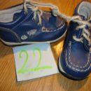 22 čevlji