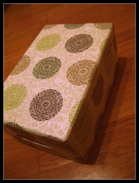 Lesena škatla za shranjevanje 2012