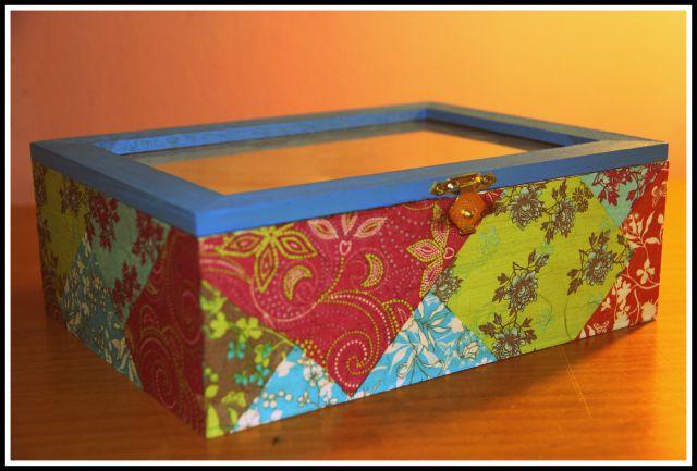Lesena škatla za čaj 2013