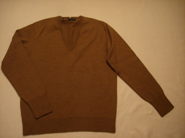 Pleten pulover L.....4€