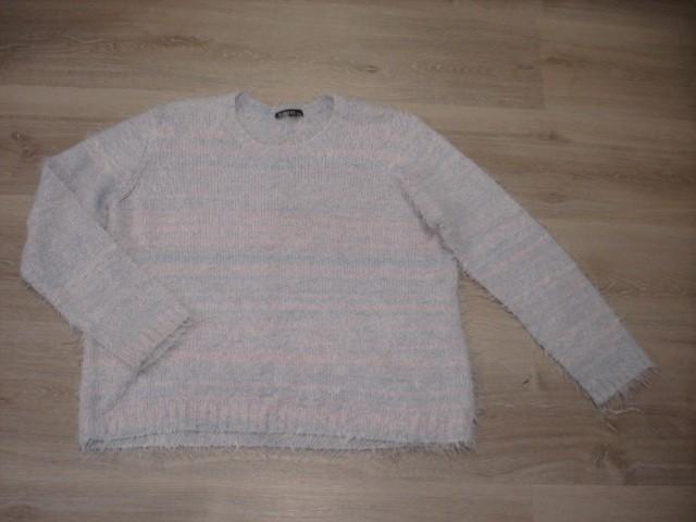Kosmat pulover L oz. 44...4€