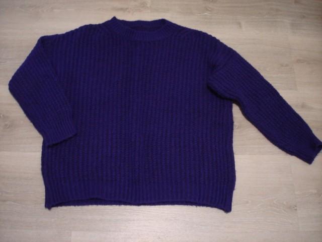 Vijoličen pleten pulover L-XL...4€