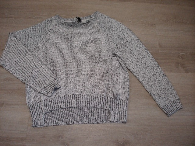 Hm svetleč pulover L-XL...5€