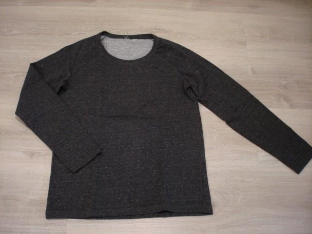 Svetleč pulover malo daljši L-XL...4€