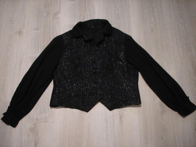 Svetleča jaknica, kratka, telirana M...6€