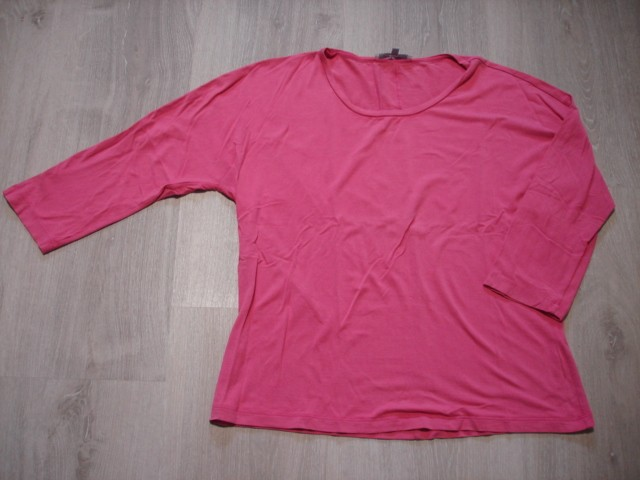 Max Mara majica 3/4 rokavi, M-L....4€