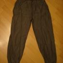 hlače S-M...4€