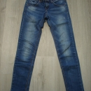 stretch kavbojke S oz. 34....6€