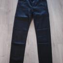 Stradivarius hlače 34, videz usnja, črne....5€
