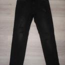 Zara stretch kavbojke raztrganke , črne št. 38 ali večji S...4€