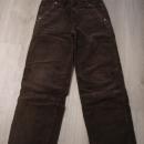 žametne hlače, širše.....146-152....3€