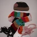 pletena kapa in šal, skupaj 3€