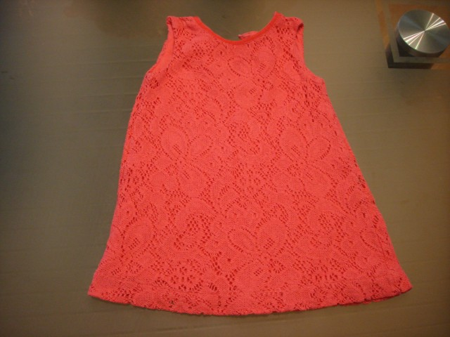 Podložena čipkasta obleka 74...3€
