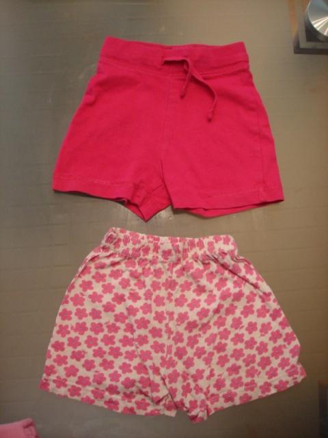 Rkratke hlače 68, roza Hm 2€, rožaste 1€