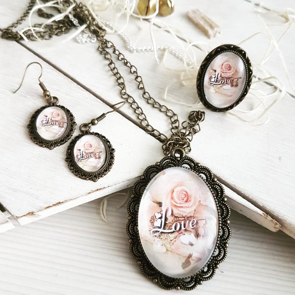 Unikatni stekleni nakit - foto povečava