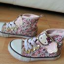superge hm Hello Kitty 25