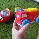avtomobili, vlakec,..