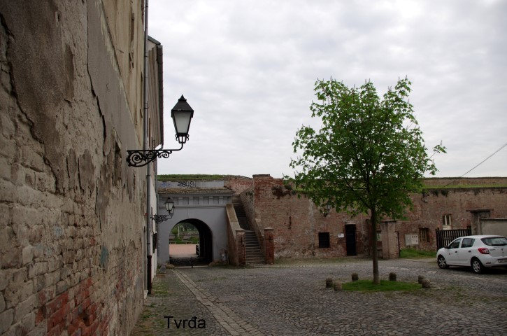18. 4. Sprehod po mestu Osijek. - foto povečava
