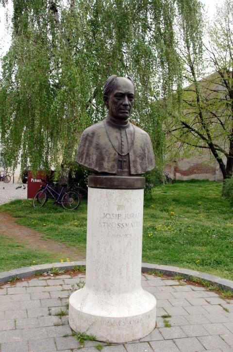 18. 4. Sprehod po mestu Osijek. - foto