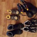 škornji 25-26 cena5 eur/kos v kompletu 15 eurov