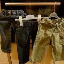 hlače in kavbojke št. 92 cena 4 eur za kos.   V kompletu cena 10 eurov