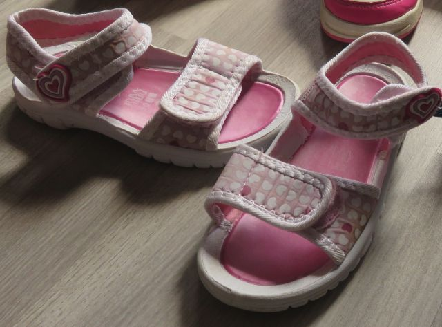 Roza sandale 25-