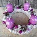 4-roza bel z roza svečami