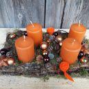 11-lubje z oranžnimi svečami