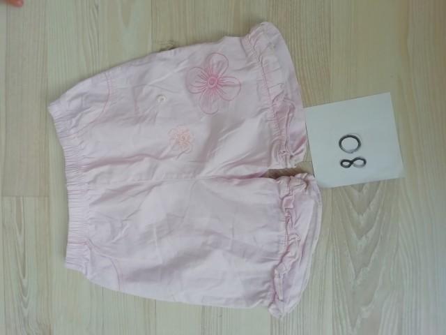 Oblačila za deklico - kratke hlače - foto