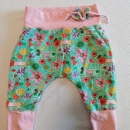 unikatne udobne hlače, velikost okoli 3 mesece