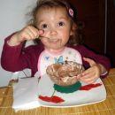 Vroča čokolada za družini Škornik in Virtič. Šentjur, 25. 12. 2007