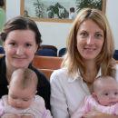 To so pa štiri lepotičke.... Midve z mamico ter frendica Tea in njena mamica Nevena (sice