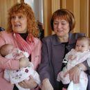 2 babici in midve s Teo.